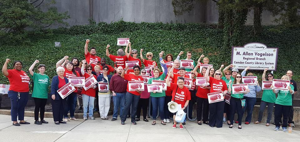 Library Workers Fight for Contract